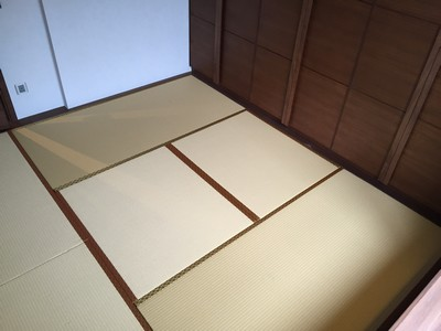 Japanese Moisture-proof Tatami size 60mm. <br />July, 2015