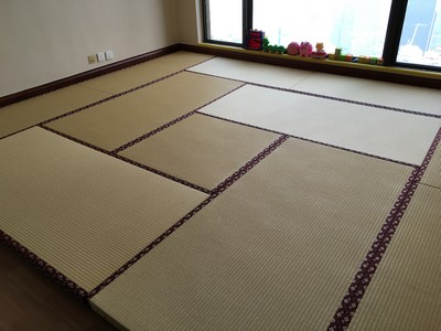 Japanese Moisture-proof Tatami size 60mm in children playroom.<br />December, 2015