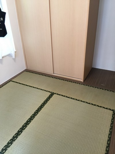 Special requirement designing a flat only around 300 square-feet, 1 living room,1 dining room and 3 bedrooms with Japanese Moisture-proof Tatami and Japanese traditional tatami.<br />September, 2015